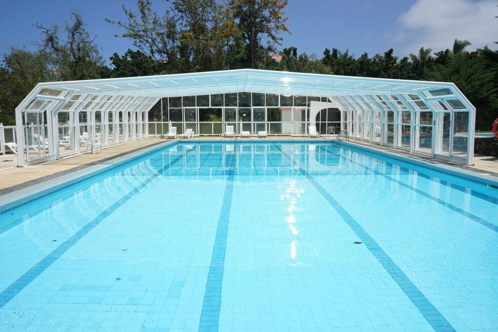 La r glementation des piscines pour les h tels chasseur - Construction piscine reglementation ...
