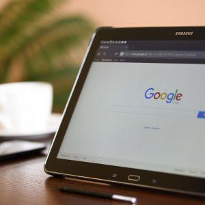 Faites connaitre votre hôtel ou votre restaurant à l'aide de la fiche d'identification Google.